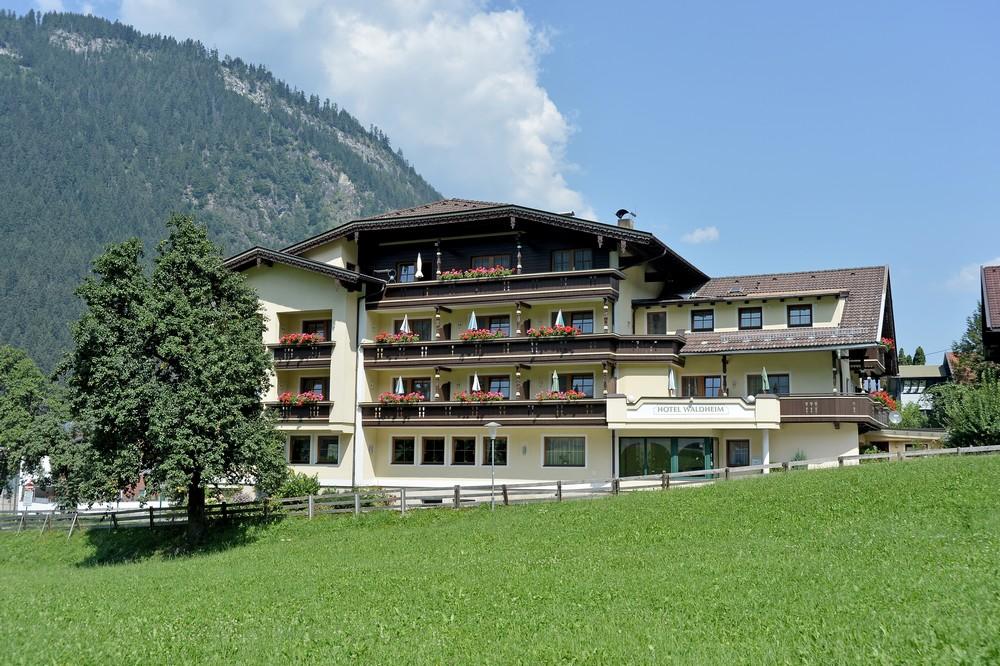 Hotel waldheim in mayrhofen im zillertal hotel for Designhotel zillertal